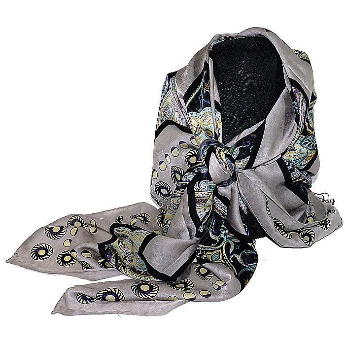 серый платок фото
