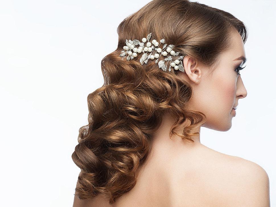заколка для женщины с длинными волосами
